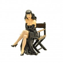 Pin-up in director's chair - Origin Collection