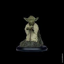 Figurine Star Wars Yoda using the force