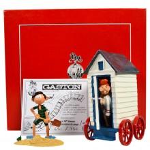 Figurine - Gaston et Jeanne sortant de sa cabine de plage