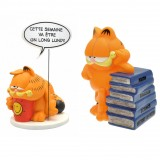 Figurine Pack Garfield Coin bank and Stack of books