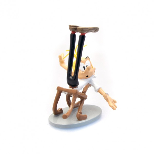 Figurine Fantasio and the latex chair by Pixi Origines