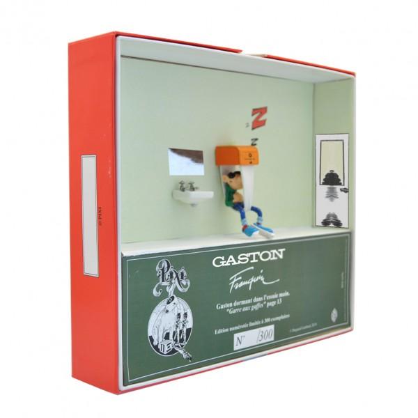 Gaston dormant dans l'essuie-main - Gaston Lagaffe - Collection Boîte