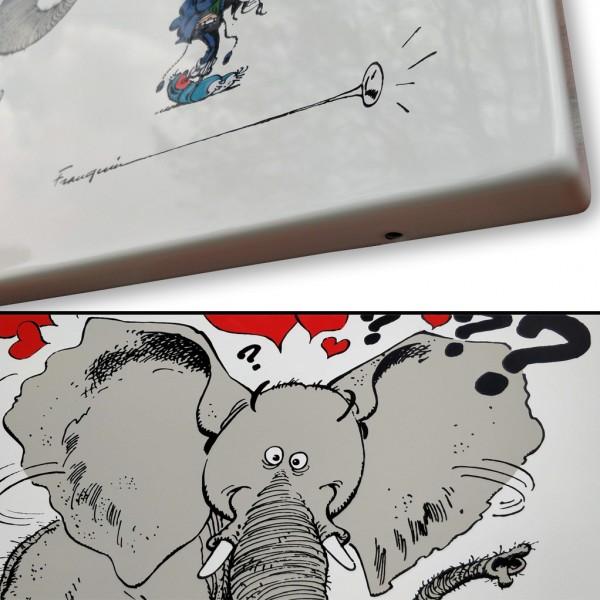 Enamel plate Gomer Goof and the elephant