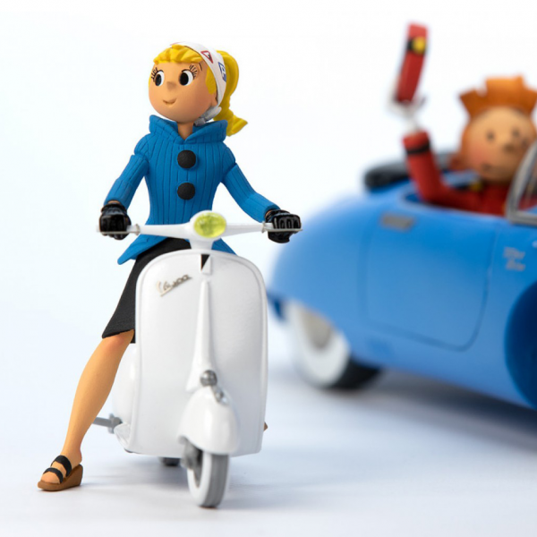 Figurine Seccotine sur son scooter